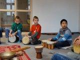 21. 10. 2015 - živé muzicírování s Janan v Městském společenském centru, žáci 3. ročníku