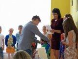 15. 6. 2015 - předávání pomyslné štafety žáky 9. ročníku budoucím prvňáčkům