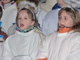 1. 12. 2017 Rozsvěcení vánočního stromu v Hroznětíně - zpívání žáků naší školy v kostele