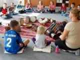 30. 9. 2015 - živé muzicírování s Janan (veřejnost a školní družina)