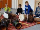 14. 10. 2015 - živé muzicírování s Janan v Městském společenském centru, žáci 2. ročníku