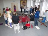 18. 11. 2015 - živé muzicírování s Janan, žáci 6. ročníku